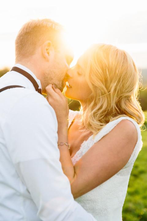 After-Wedding Pärchenshooting bei Sonnenuntergang