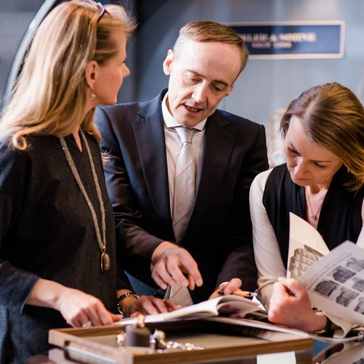Mitarbeiterfotos und Imagefotos für Firma Deutsche Schmuck und Uhren
