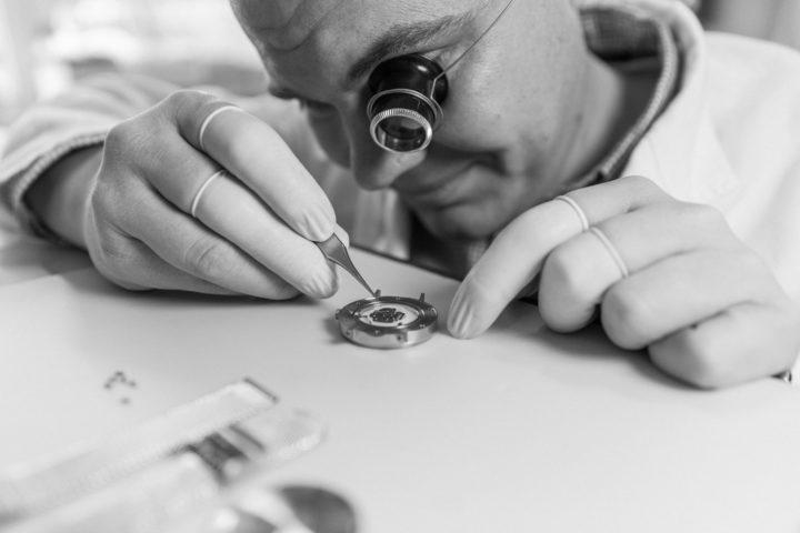 Fotos des Produktionsprozess des schwedischen Uhrendesigner Labels VERK in Pforzheim